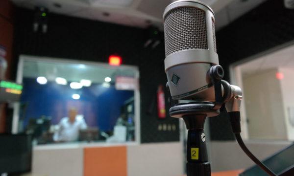 industry-macro-mic-164755